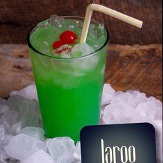 Agora que chegou o Verão sabe bem uma bebida fresca. Licor de menta com sumo de limão... Para apreciar na esplanada.