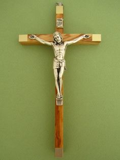 Crucifix bois d'olivier dorée avec Christ