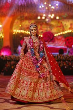 Real Indian brides in stunning bridal lehenga by Sunehree Chandni Chowk. Bridal lehenga shopping in Chandni Chowk. Wedding Lehnga, Indian Wedding Gowns, Indian Bridal Outfits, Indian Bridal Lehenga, Indian Bridal Wear, Bridal Dresses, Indian Weddings, Bridal Lehnga Red, Peach Weddings