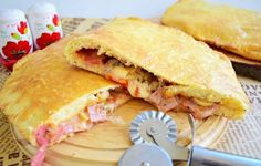 Pizza Sandwich, Calzone, Mozzarella, Meal Planning, Sandwiches, Food And Drink, Meals, Interior, Recipes