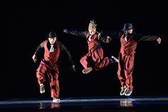 """3° Lugar - Danças Urbanas - Trio - Avançada. Maniacs Crew (SC), com a coreografia """"DNA Funk"""". Crédito: Dashmesh Photos/Claudia Baartsch"""