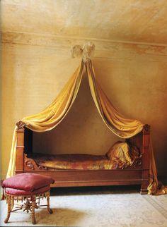 The World of Interiors, April 1996. Photo - Ricardo Labougle