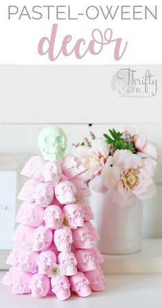 Pastel Halloween Decor: Ombre Skull Tree Tutorial - Real Time - Diet, Exercise, Fitness, Finance You for Healthy articles ideas Happy Halloween, Pink Halloween, Kawaii Halloween, Halloween Home Decor, Halloween Birthday, Halloween Projects, Diy Halloween Decorations, Holidays Halloween, Diy Projects
