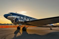 DC-3 Sunset... for some inexplicable reason, I think the DC-3 is one of my favorite planes.