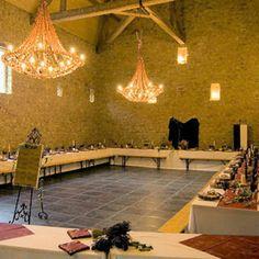 Salle médiévale     http://www.journaldesfemmes.com/mariage/decoration-mariage/vos-plus-belles-decorations-de-mariage/image/mariage-medieval-sophie-400-mariage-decoration-mariage-1202216.jpg%3F1367494514