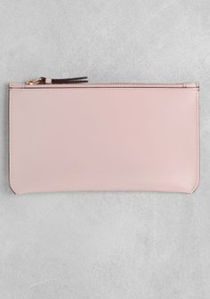 Style - Minimal + Classic: leather pouch_& other stories