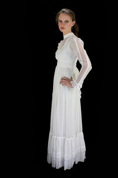 Vintage 1970s GUNNE SAX maxi wedding dress