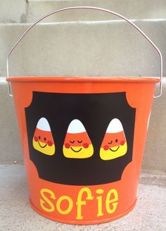 Personalized 5 quart HALLOWEEN METAL Pail/Bucket by HandCraftedHC,  cricut idea!