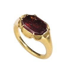 Renaissance Cusped Ring, Northern Europe, century, Gold and hessonite garnet, Griffin Collection. Photograph by Richard Goodbody Wiccan Jewelry, Medieval Jewelry, Ancient Jewelry, Jewelry Art, Jewellery, Jewelry Design, Antique Rings, Antique Jewelry, The Cloisters