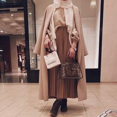 Modest Fashion Hijab, Modesty Fashion, Casual Hijab Outfit, Muslim Fashion, Casual Outfits, Fashion Dresses, Classy Winter Outfits, Winter Fashion Outfits, Niqab