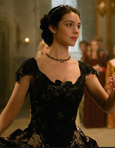 Reign (Adelaide Kane as Mary Queen of Scots) Reign Mary, Mary Queen Of Scots, Queen Mary, King Queen, Adelaide Kane, Reign Dresses, Royal Dresses, Mary Stuart, Isabel Tudor