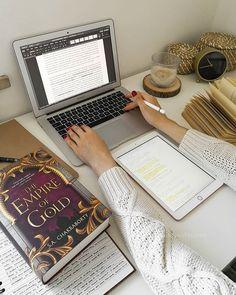 Studyblr, Study Motivation, Macbook Air, Turntable, Ipad, Music Instruments, Productivity, Instagram, Motivation To Study