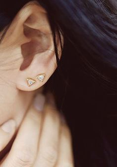 Trillion Earrings / Vrai & Oro (Photographed by @andyheart)