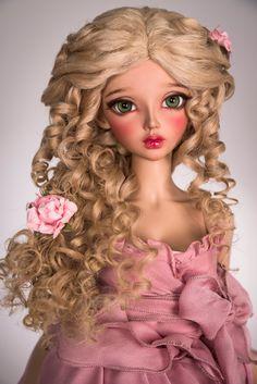 Dieses Produkt hat einen Rabatt von $10 auf unserer Website - http://amadiz-studio.com/  Natürliche Leicester-Schaf benutzerdefinierte Perücke. Für Bestellung verfügbar.  Schöne Frisur mit locken Luxus, elegante Geflechte und Blumen für Ihre Puppe. Blüten enthalten.  Die Perücke hat eine elastische Kappe der weißen Farbe mit einem Gummiband, dass du eine Silikonkappe nicht. ~ Unsere Perücken sind vielseitig, sie eignen sich für viele Puppen mit einem ähnlichen Kopfgröße! ~  Sie können Größe…