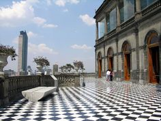 Welcome to one of the most fascinating urban landscapes on the planet: Mexico City. How do you even begin to know a place that has so many different personalities? By visiting its impressive cultural institutions.