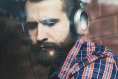 Discharge or diversion? How music helps us regulate our feelings - When it comes to tackling difficult emotions with music, women fare far better than men.