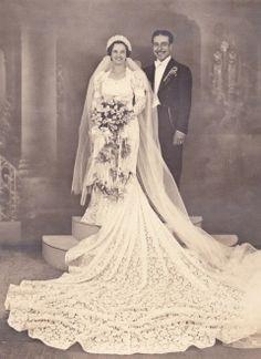 +~+~ Antique Photograph ~+~+ Amazing wedding dress and huge crochet veil