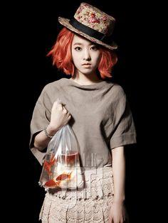 live Goldfish as an accessory hmmmm...