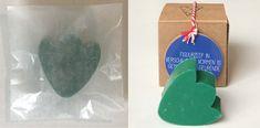 Een zeepje in de vorm van een tulp. Verschillende kleuren mogelijk. Het zeepje wordt verpakt in een pergamijnen zakje of kraftpapieren doosje. Drop Earrings, Kraft Paper, Tulips, Drop Earring