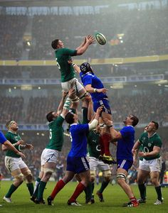 Ireland's lineout. - For the best rugby gear check out http://alwaysrugby.com