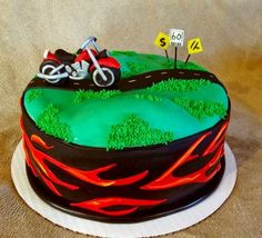 Now that's just fun! Motorcycle birthday cake
