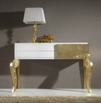 Luxus White and Gold leaf console table Metal Furniture, Upcycled Furniture, Furniture Projects, Painted Furniture, Furniture Design, Living Room Decor Colors, Interior Design, Diy, Gold Leaf