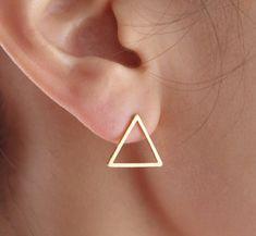 Triangle+d'or+boucles+d'oreilles+géométriques+de+HappyMonday+sur+DaWanda.com