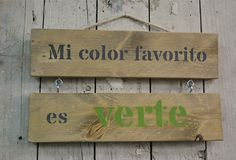 Cartel decorativo en madera recuperada. 10 mayo/12:00 pm - 2:00 pm Reclaimed Wood Art, Wood Pallet Signs, Wood Signs, Framed Quotes, Vintage Hipster, Easy Diy, Sweet Home, Design, Home Decor