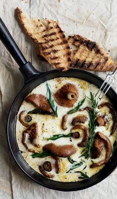 DONNA HAY'S HERB & BUFFALO MOZZARELLA MUSHROOMS with GARLIC TOASTS [Donna Hay]