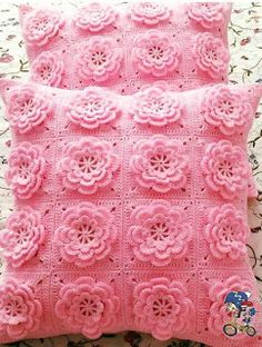 How to Crochet an Easy Chain Loop Flower Granny Square Crochet Pattern, Crochet Stitches Patterns, Crochet Squares, Crochet Granny, Crochet Motif, Crochet Designs, Knitting Patterns, Crochet Trim, Crochet Cushion Cover