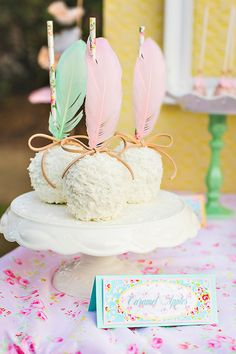Gorgeous Vintage & Floral Shabby Pow Wow Party Birthday dessert, caramel apple