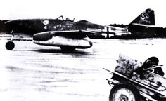 Me 262A1a Stab II.JG7 Geschwaderkommodore Theo Weissenberger Green 4 Germany 1945