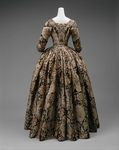 Robe à l'Anglaise 1720 The Metropolitan Museum of Art