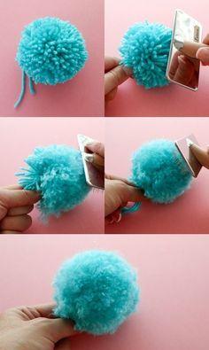 How to make a fluffy pom pom – pom pom DIY – pom hacks – pom tricks – pom poms - Top Diy ProjectsThe Secret to making Super Fluffy Pom Poms - use a cat grooming brush.Everybody loves a good pom pom, they have so many great crafty uses. The Secret Kids Crafts, Yarn Crafts, Crafts To Sell, Easter Crafts, Diy And Crafts, Christmas Crafts, Sell Diy, Kids Diy, Decor Crafts
