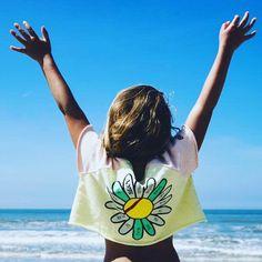 🏖 ✯ Let's go to the beach! Thanx for sharing this beautiful pic @dutchy_summer  #rebelloa #rebelloaforkids #bandybutton . #kindermode #kinderkleding #kinderkleren #kindermusthaves #kindermodeblog #kidsclothing #kidsfashion #fashionkids #igkiddies #instakids #kidzootd #kidsstyle #streetwearbrands #smallshop #coolkids #coolkidsclub #coolkid #kinderkledingwinkel #kinderkledingwebshop #stoerekinderkleding #smallshopowner #hippekinderkleding #kinderkledinginspiratie #minimemagazine #kidsmode… Cool Kids Club, Kids Z, Kids Mode, Streetwear Brands, Mini Me, Kids Fashion, Reusable Tote Bags, Beach, Summer