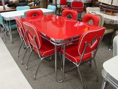 in production after nearly 70 years: Acme Chrome Dinettes made from 1949 to 1959 Acme midcentury modern/retro chrome dinette sets - still in production today!Acme midcentury modern/retro chrome dinette sets - still in production today! Vintage Stil, Vintage Decor, Vintage Hippie, Retro Vintage, 1950s Decor, Vintage Trends, Design Living Room, Design Room, Chair Design