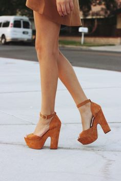 Ankle strap sandals with thick heels. Stilettos, High Heels, Zapatos Shoes, Shoes Heels, 70s Shoes, Suede Heels, Tan Heels, Green Heels, Cute Shoes