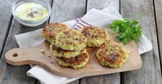 Quinoa and zucchini patties - Recipe – Quinoa and zucchini patties step by step - Quinoa Zucchini, Zucchini Patties, Zucchini Puffer, Zucchini Chips, Zucchini Fritters, Zucchini Pancakes, Grilling Gifts, Potato Cakes, Yummy Food