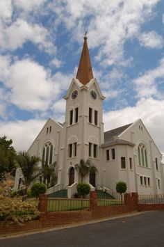 Riebeeck Kasteel se kerk. Foto: Phil Pieterse (Flickr) South Afrika, Dutch House, Gothic Cathedral, Church Building, Place Of Worship, African History, Africa Travel, West Coast, Places To See