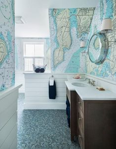 Stunning Nautical Home Decor Ideas With Coastal Style - Nautical and Coastal decor style gives a relaxed feeling not only to the guests but also to the people staying in that house. The style basically invo. Kochi, Nautical Bathrooms, Beach Bathrooms, Modern Bathroom, Beach House Bathroom, Coastal Living, Coastal Decor, Coastal Style, Modern Coastal