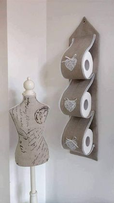 Rapunzel Toilet Paper Projects To Try Towel Paper Holders Toilets Creative Ideas Bathing Creativity Home Crafts, Easy Crafts, Diy And Crafts, Arts And Crafts, Hanging Storage Pockets, Diy Toilet Paper Holder, Sewing Crafts, Sewing Projects, Clothespin Bag
