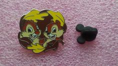 pin broche disney WDW - Mickey caché 2007 Série 2 - Chip & Dale - automne