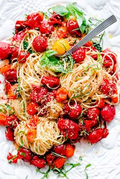 Spaghettini with Roasted Tomatoes. Spaghettini with Roasted Tomatoes Fresh Basil and Crispy Garlic Breadcrumbs! This pasta is flavor-packed and so easy to throw together! Vegetarian Recipes, Cooking Recipes, Healthy Recipes, Bread Recipes, Cleaning Recipes, Cookbook Recipes, Casserole Recipes, Crockpot Recipes, Cooking Tips