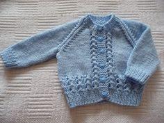 Baby boy cardigan Knit Slippers Free Pattern, Baby Cardigan Knitting Pattern Free, Baby Boy Knitting Patterns, Kids Patterns, Knitting For Kids, Baby Boy Cardigan, Baby Sweaters, Embroidery Cards, Baby Knits