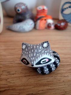 """Totem de poche """"Mon Raton-laveur"""" oMamaWolf figurine en céramique : Art céramique par omamawolf"""