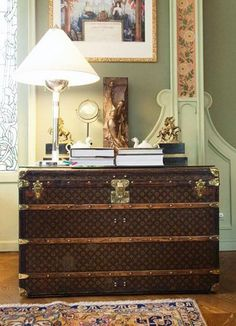 pictures of chests and trunks in modern home interiors