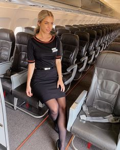 Black tights and stockings. Delta Flight Attendant, Airline Attendant, Air Hostess Uniform, Flight Outfit, Airline Cabin Crew, Pantyhose Outfits, Nylons, Airline Uniforms, Female Pilot