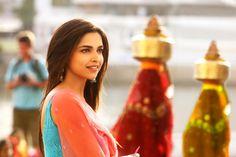 Isn't Naina looking so pretty :)