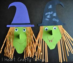 Constructions paper crafts are a fabulous idea for Halloween activities for kids, especially when witches are involved. The Wicked Witch Paper Craft, which was based off of Big Pumpkin by Erica Silverman, is a super fun and easy craft. Image Halloween, Theme Halloween, Holidays Halloween, Halloween Pumpkins, Halloween Decorations, Halloween Books, Bricolage Halloween, Classroom Crafts, Preschool Crafts