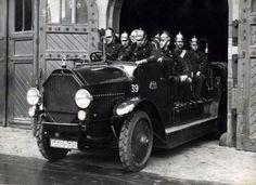 Amsterdamse brandweer rukt uit, 7 mei 1934.